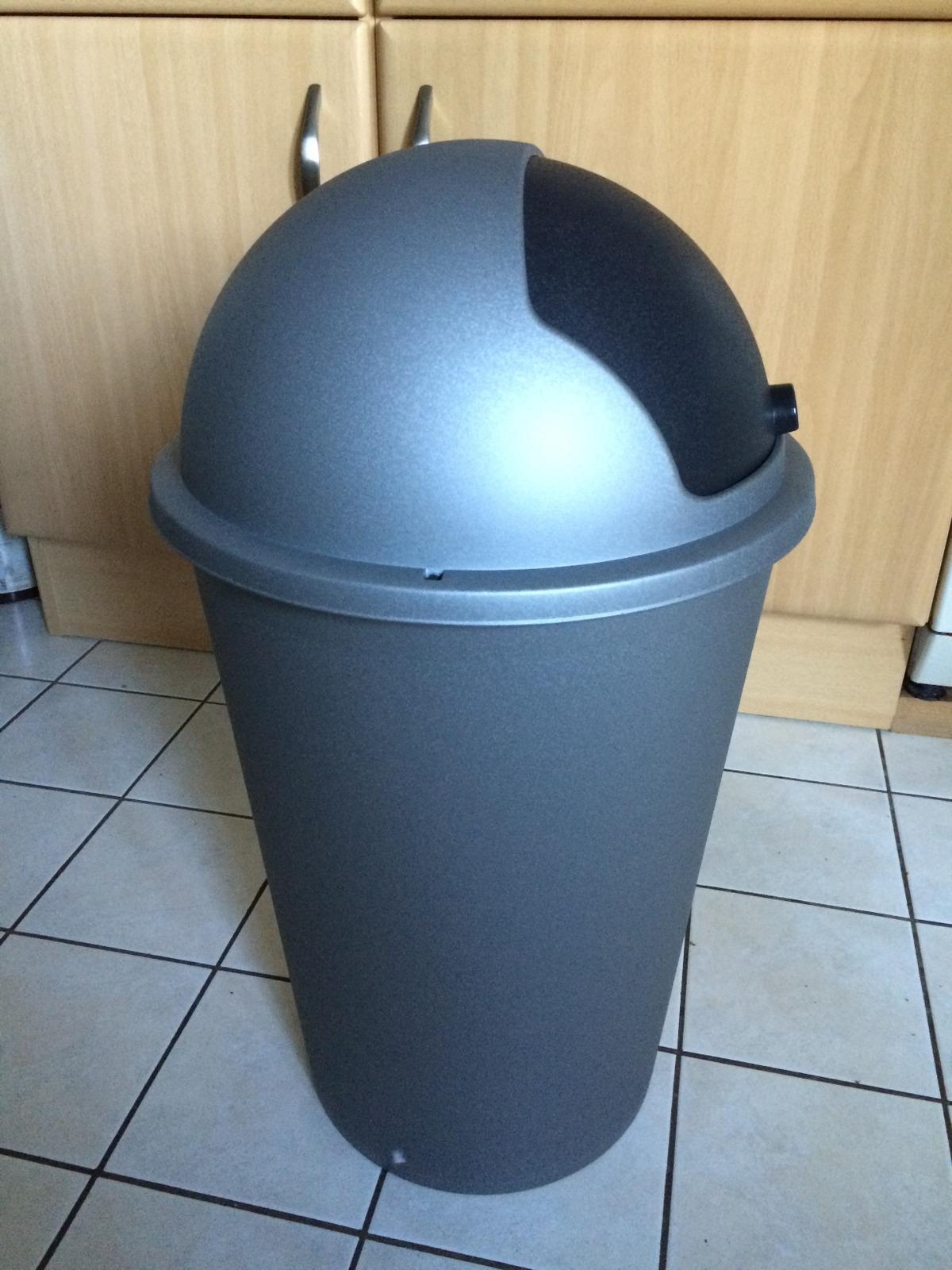 Der Mülleimer im Original