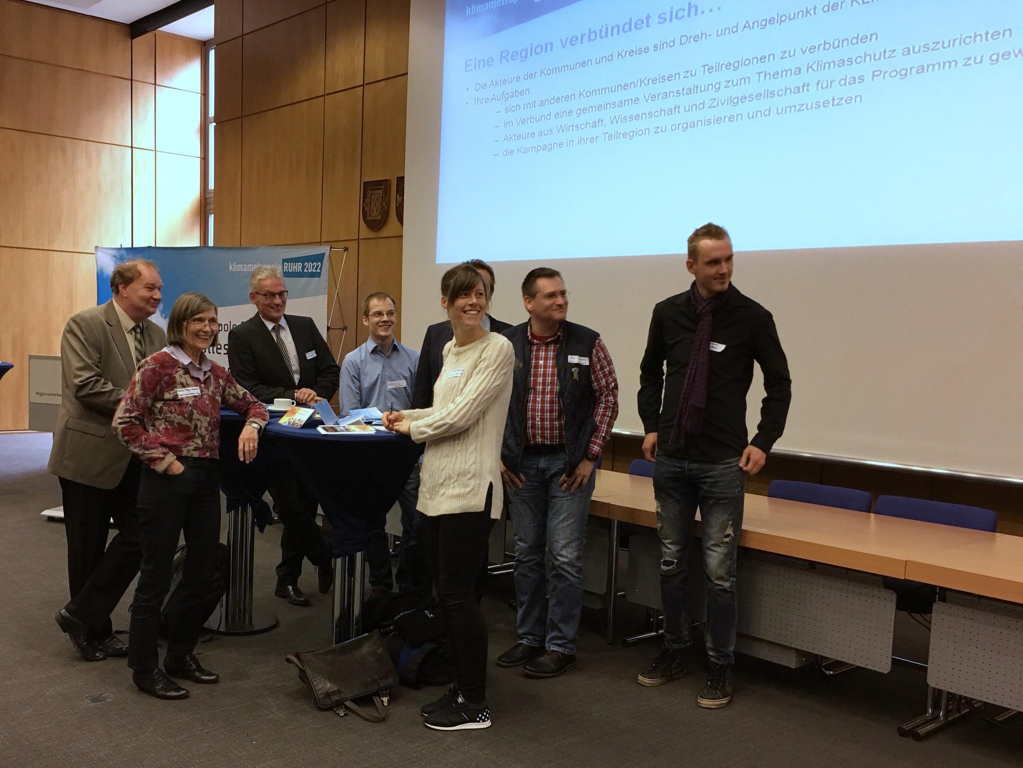 Die Vertreter vom rechts- und linksrheinischen Kreis Wesel verbünden sind spontan.