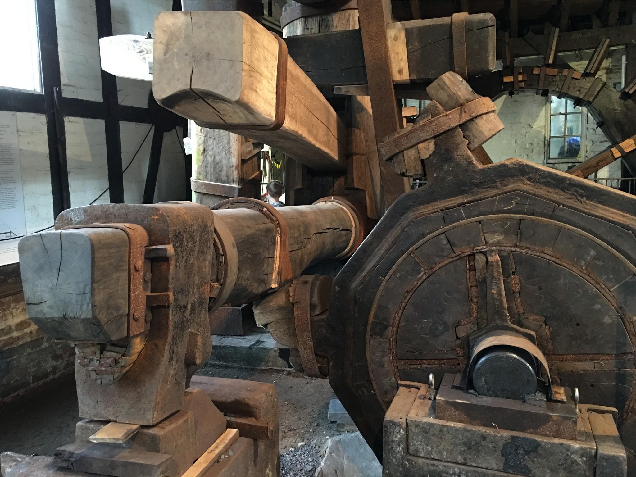 Schmiedehammer und Antriebswelle