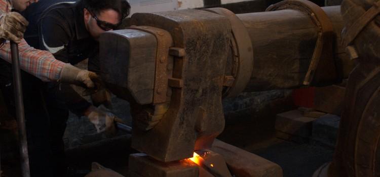 Aufschlag im Halbachhammer