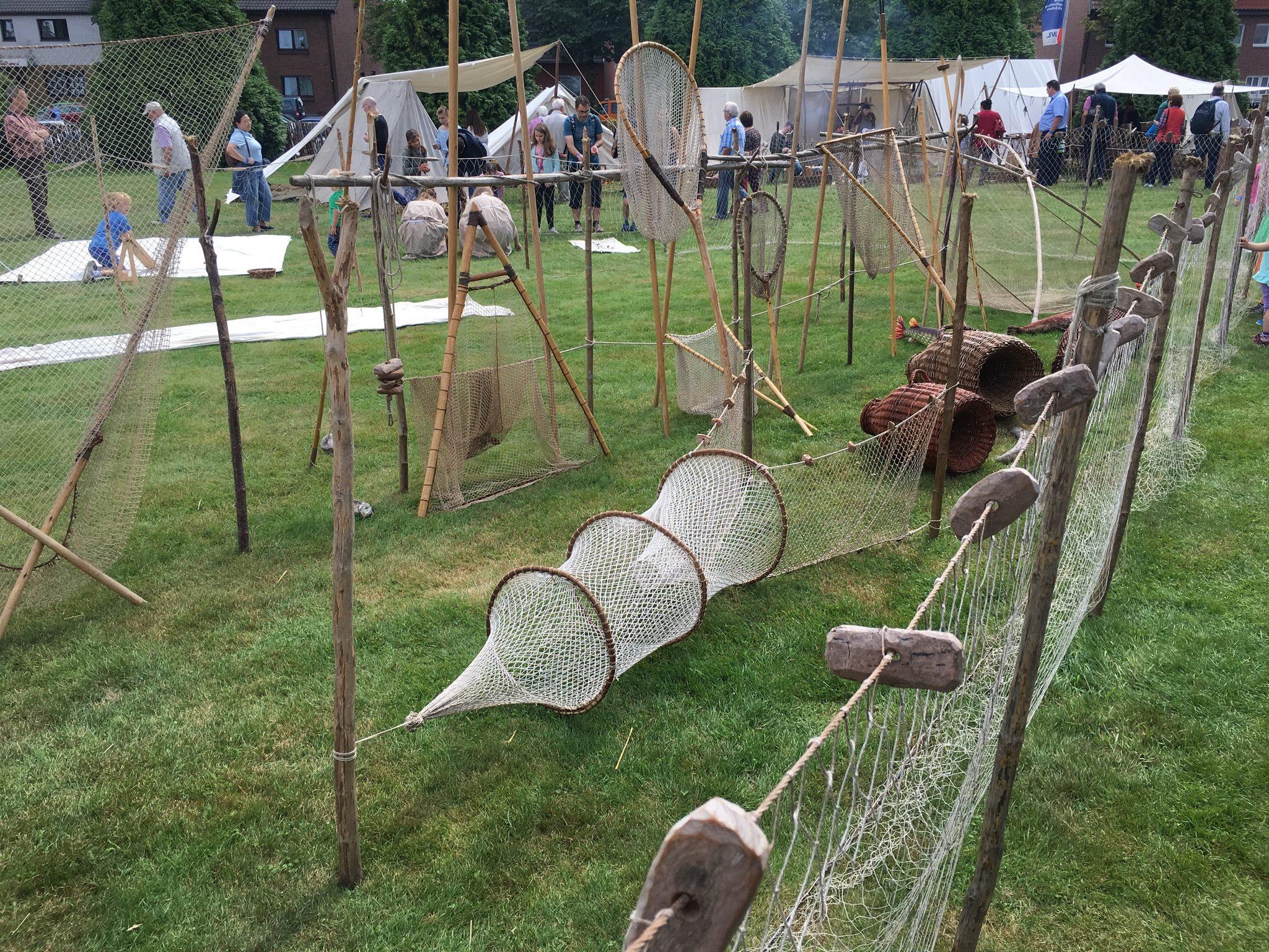 Die Netze und Fangutensilien könnten zu Römerzeiten tatsächlich so ausgesehen haben.