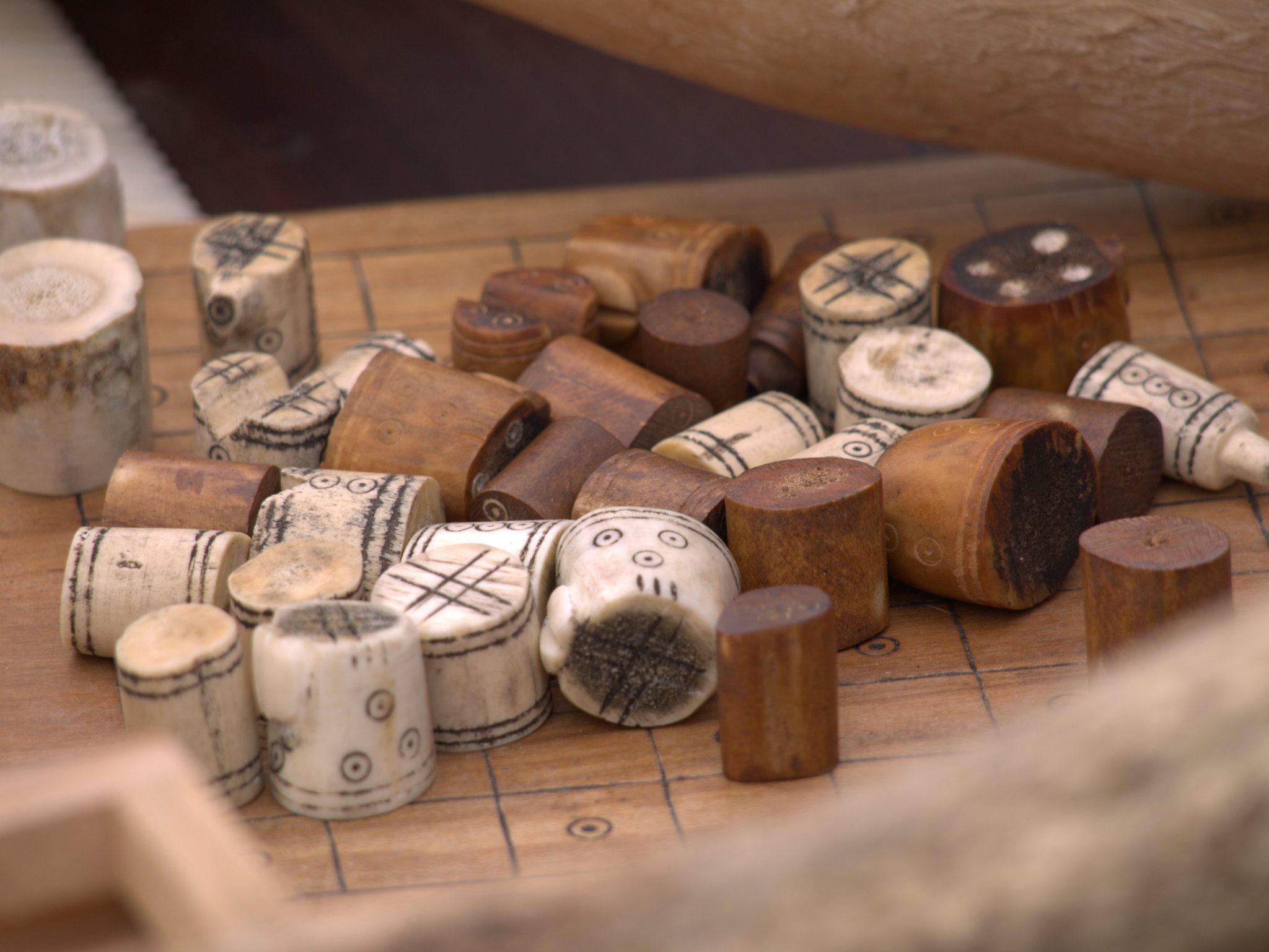 Knochen, für Spielfiguren bearbeitet.