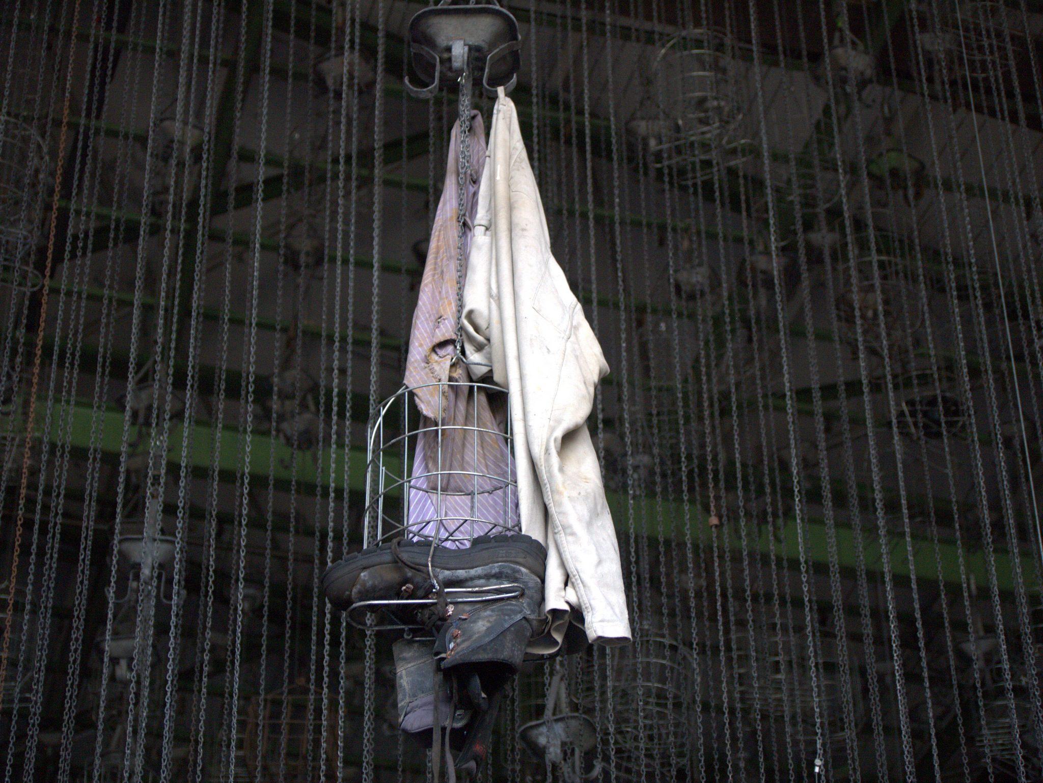 Eine Baumwollgarnitur hängt noch.