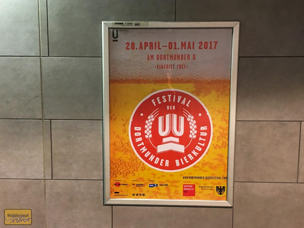 Dieses Plakat fand ich in Mülheim - mit dem Zug ist man ja schnell in Dortmund!