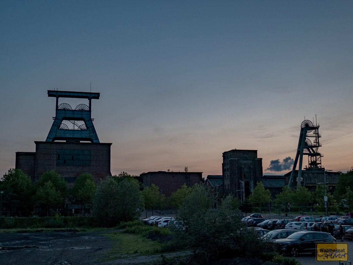 Der Doppelbock links diente der Förderung der Kohle.