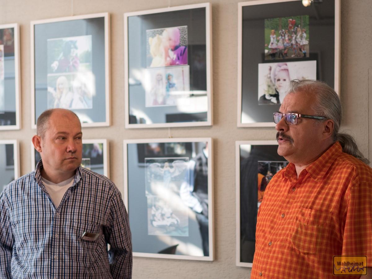 Rechts im Bild einer der Fotografen: Ulrich Paashaus.