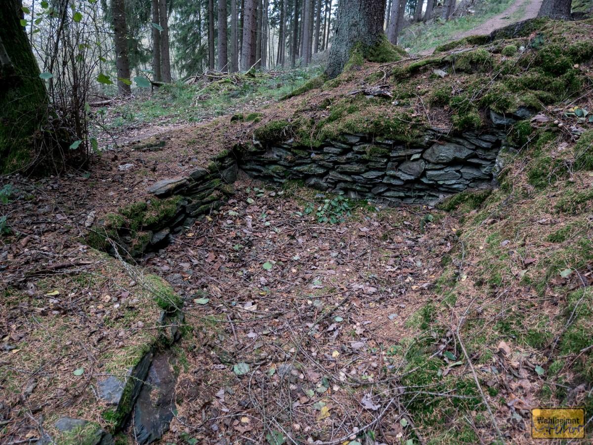 Sogar die Grundmauern eines alten Zechenhäuschens sind noch vorhanden.