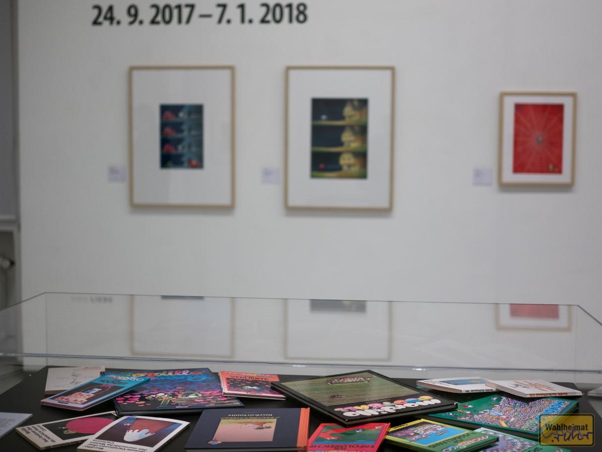 Einige der gedruckten Werke mit Mordillos Arbeiten.