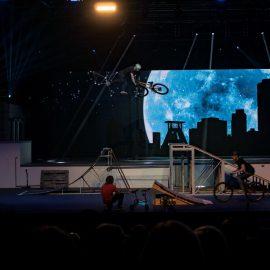 Grooftop! Urbanatix 2017 in der Jahrhunderthalle Bochum – Standing Urbanations!