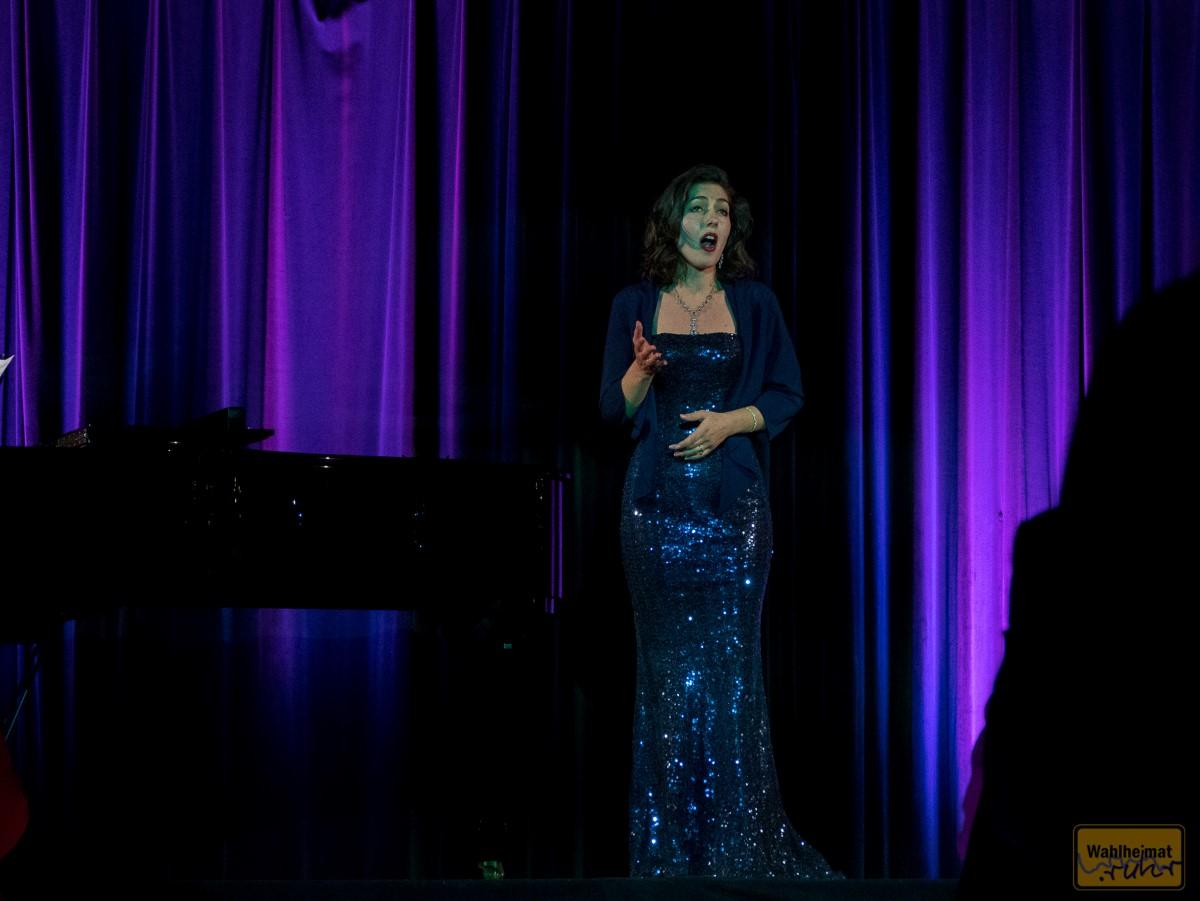 Nadja Wuchinger, studierte Musik an der Folkwang Universität der Künste Essen.