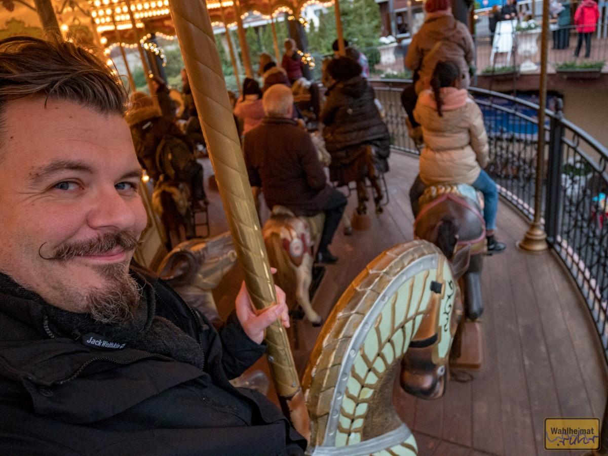 ...eine Runde auf dem Pferdchenkarussell!