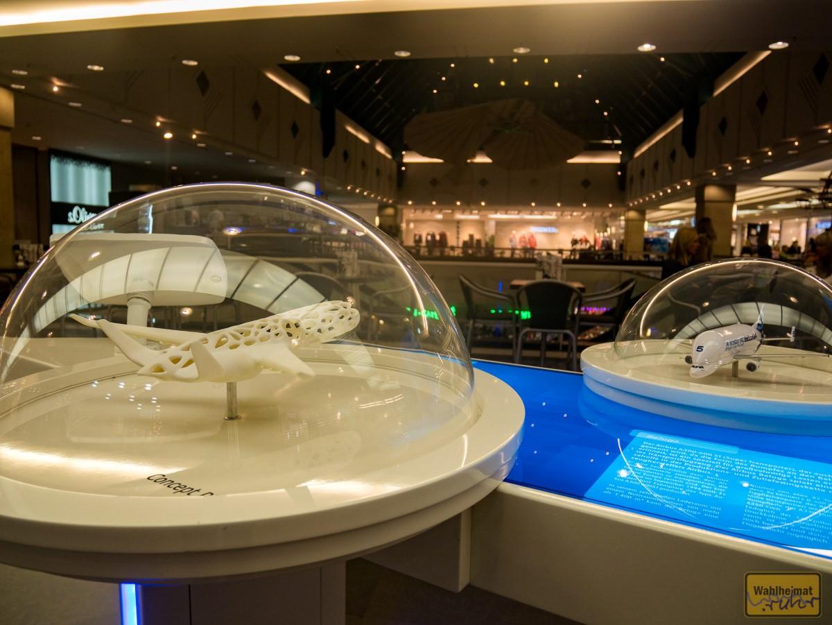 Im Rhein-Ruhr-Zentrum gibt's auch schon mal einen Blick in die Zukunft.