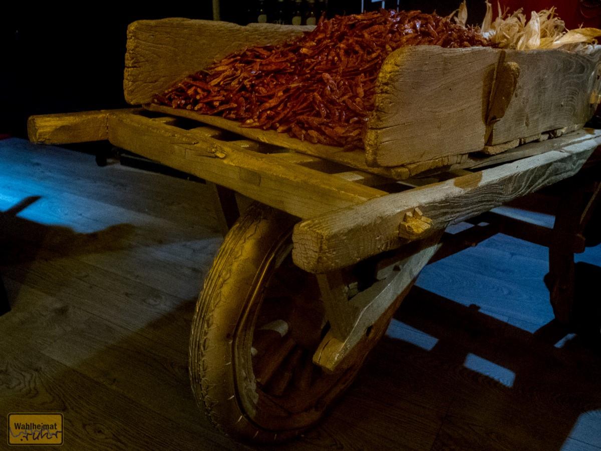 Eine der tollen Deko-Ideen: no more rice, but more chili!