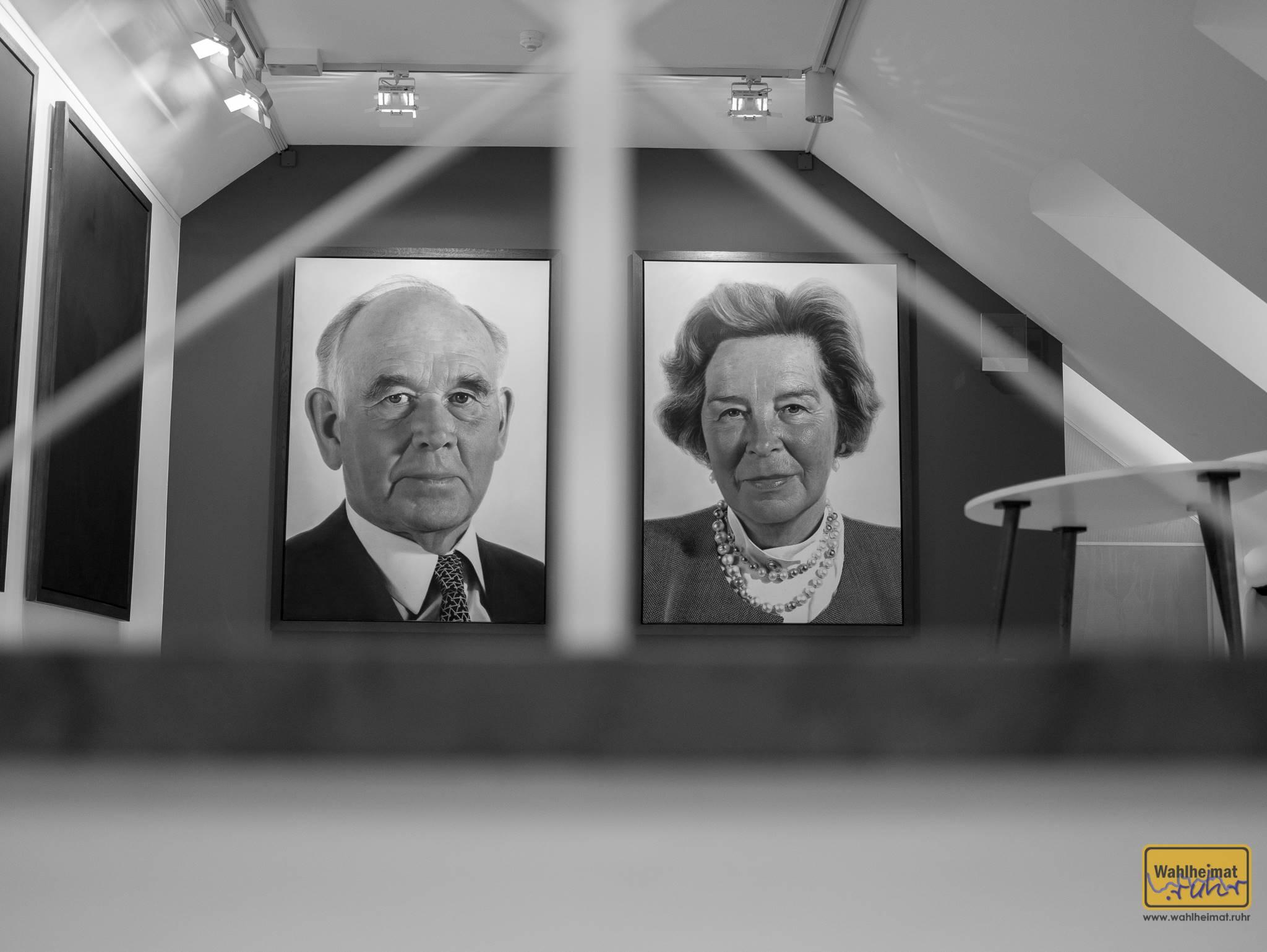 Peter und Irene Ludwig. Leider hab ich mir nicht notiert, wer diese Portraits geschaffen hat.