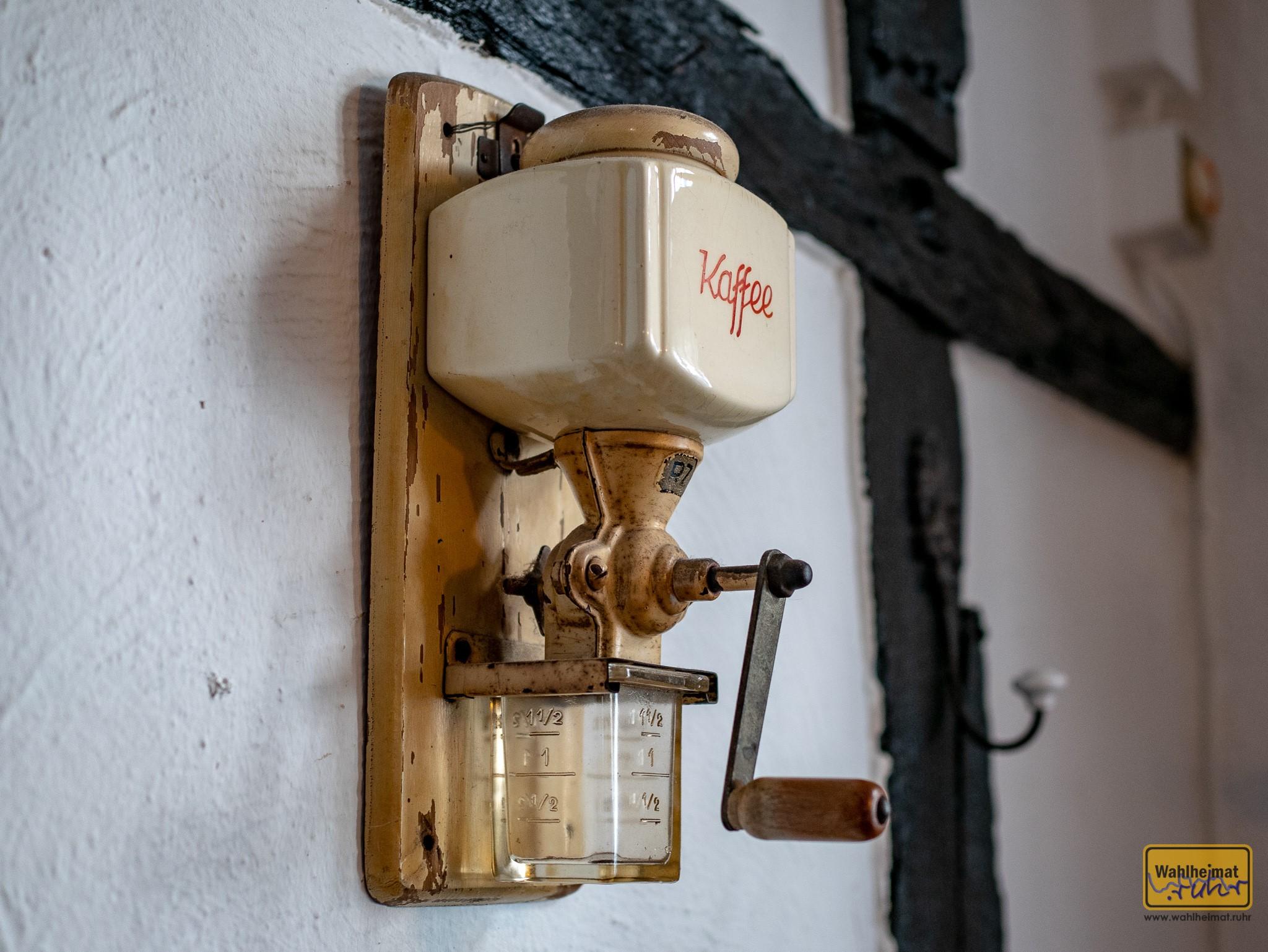 Altes Schätzelein: diese Kaffeemühle zeugt von vergangenen Zeiten.