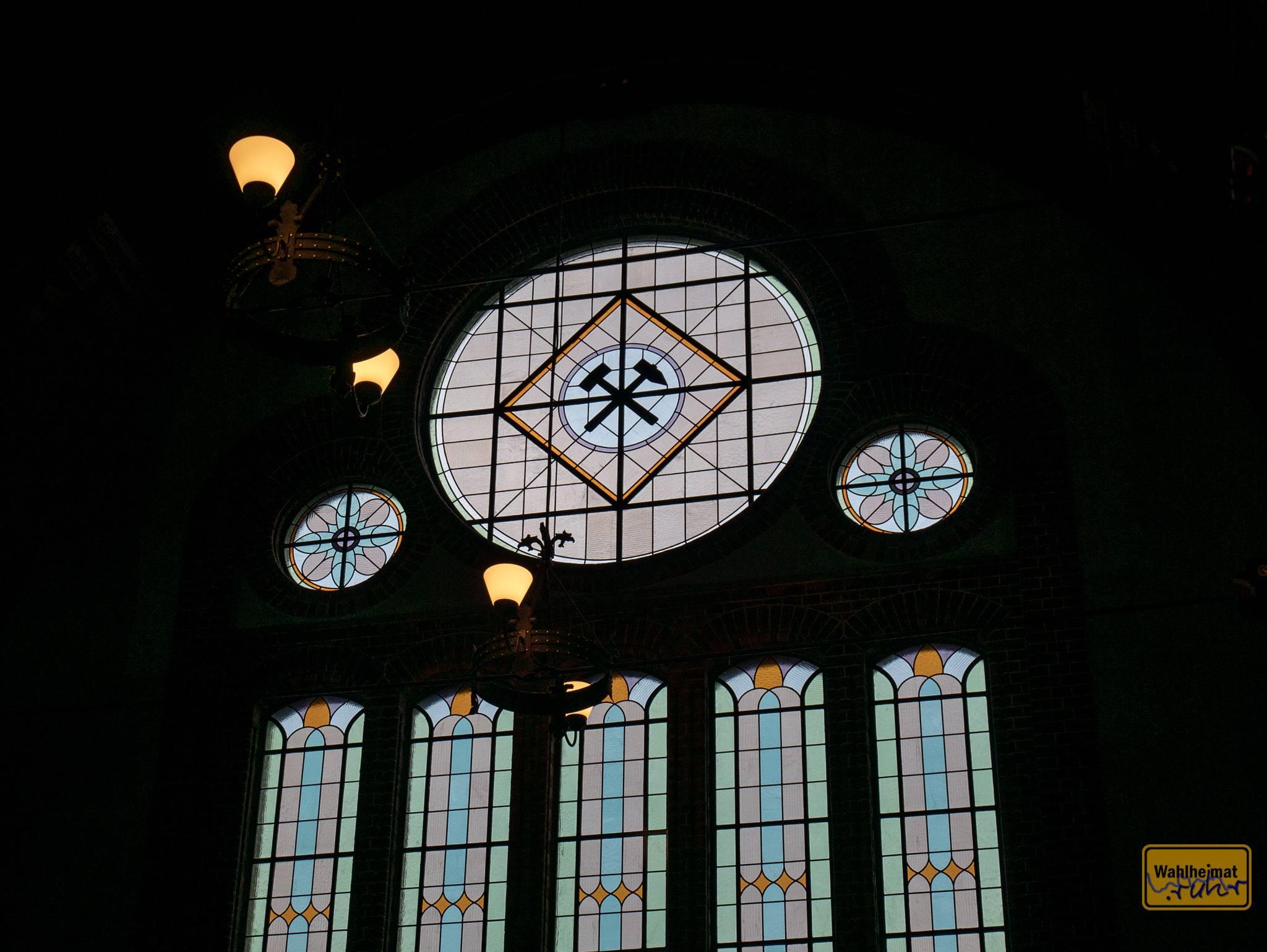 Schlägel und Eisen im Buntglasfenster - da geht mein Herz auf!