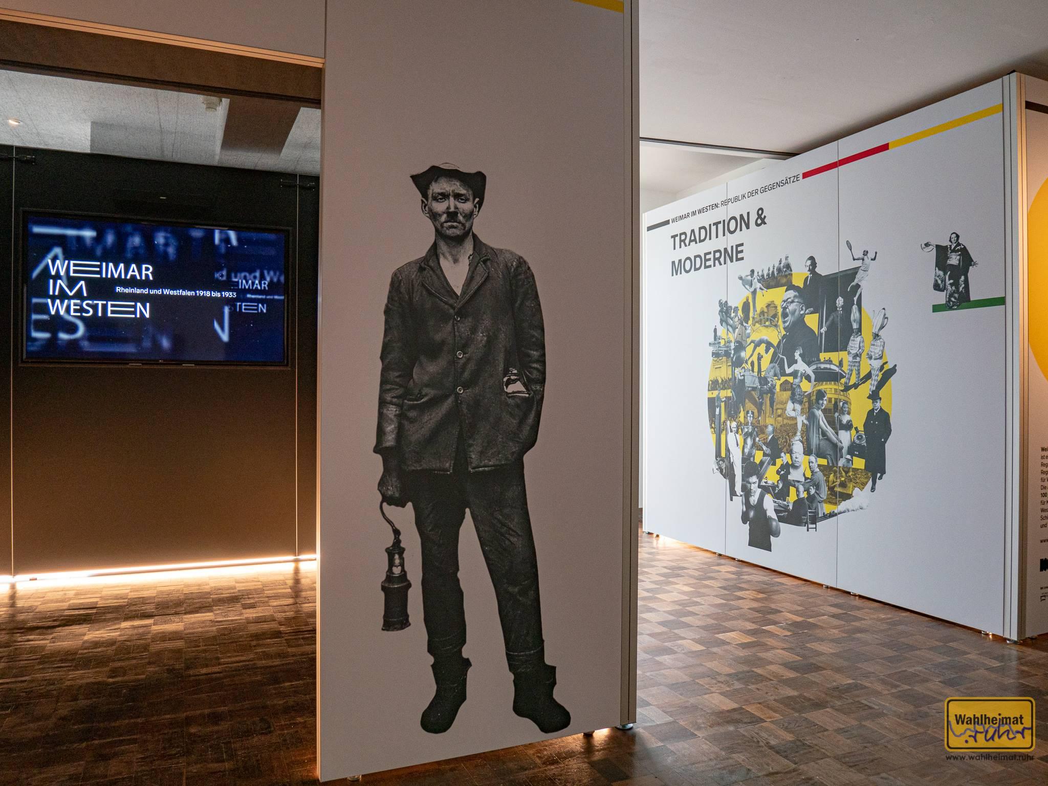 """""""Weimar im Westen"""" heißt die Wanderausstellung, die zum Zeitpunkt unseres Besuches gerade im Museum für Kunst und Kulturgeschichte in Dortmund weilte. Mittlerweile ist sie weitergezogen, Termine und Online-Ausstellung gibt es auf der gleichnamigen Website."""
