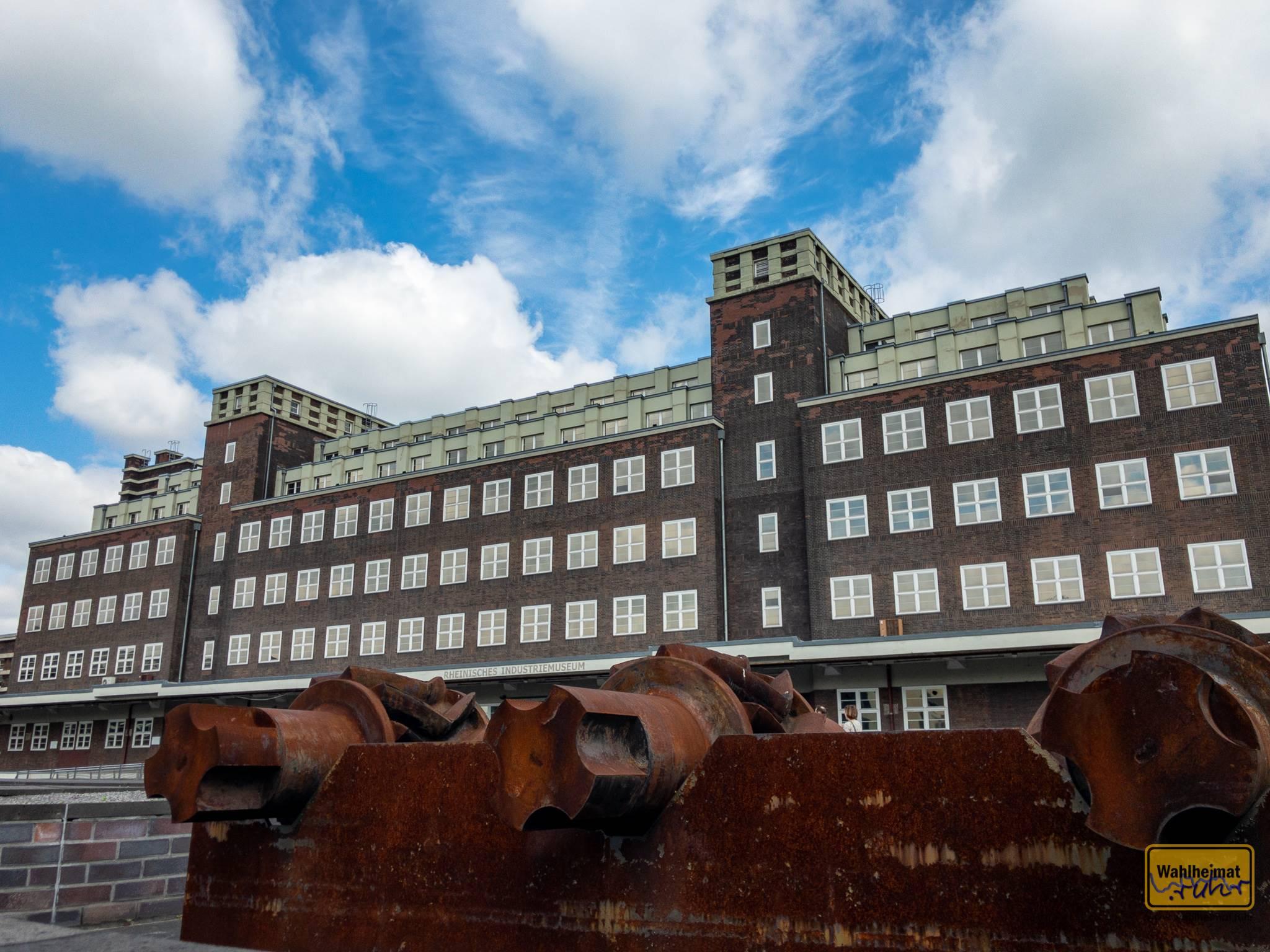 Der Peter-Behrens-Bau in Oberhausen beherbergte nach Fertigstellung 1925 das Hauptlager für die Gutehoffnungshütte.