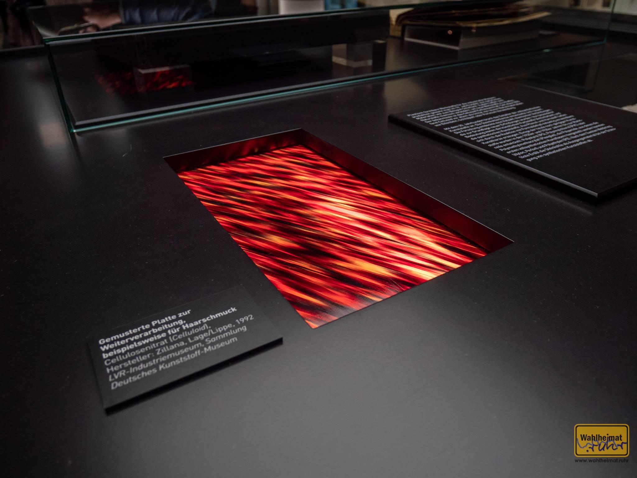 """Celluloid, gesehen in der aktuellen Ausstellung """"Nützlich und Schön: Produktdesign von 1920 bis 1940."""" in Oberhausen. Neue Werkstoffe schufen die Basis für immer neue Kreationen in den 20ern."""