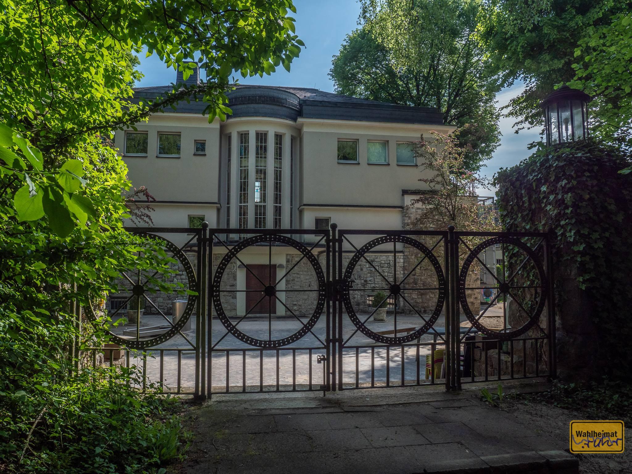 Die Villa Cuno in Hagen (1910) wurde von Peter Behrens für den Bürgermeister Willi Cuno errichtet.