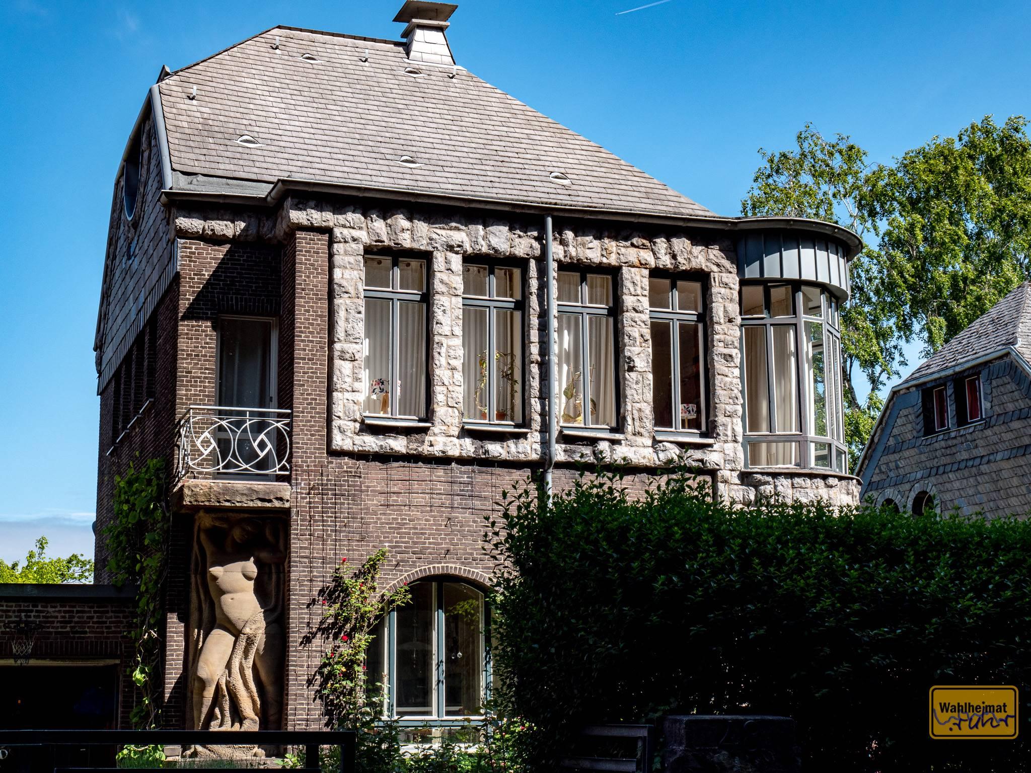 """Der niederländische Architekt schuf zwischen 1910 und 1914 insgesamt neun Häuser """"Am Stirnband"""", alle individuell, aber immer mit immer wiederkehrenden Materialien."""