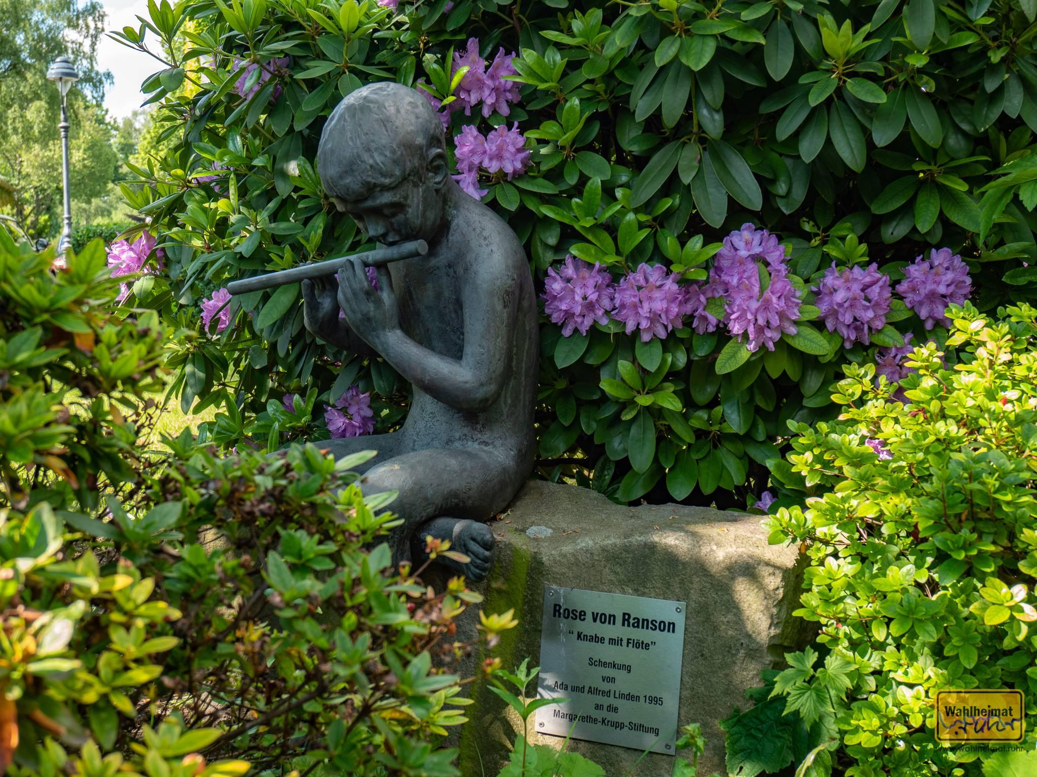 """Wer genau hinschaut, kann aber auch noch mehr entdecken... Die Essener sagen übrigens liebevoll """"Maggi-Höhe"""" zu ihrer Gartenstadt."""