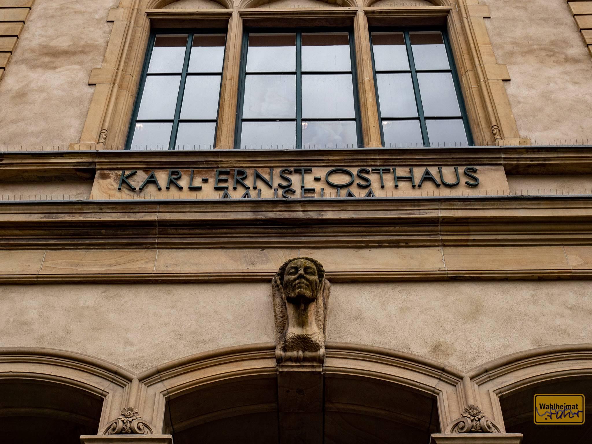 Das Karl-Ernst-Osthaus-Museum in Hagen erinnert nicht nur an den Bauhaus-Vertreter, sondern war auch Stand- und Gründungsort für das Folkwang-Museum, dass später nach Essen zog.