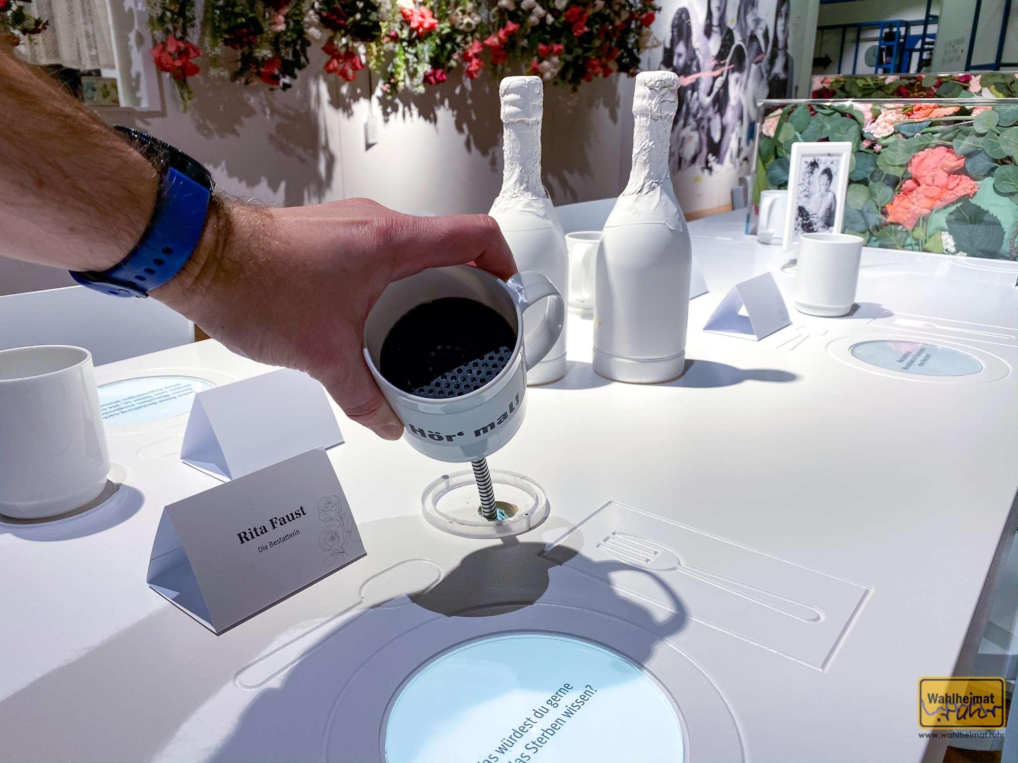 Töfte Tassen - hier kommen nämlich die Gäste zu Wort. Abgefahrene Umsetzung!