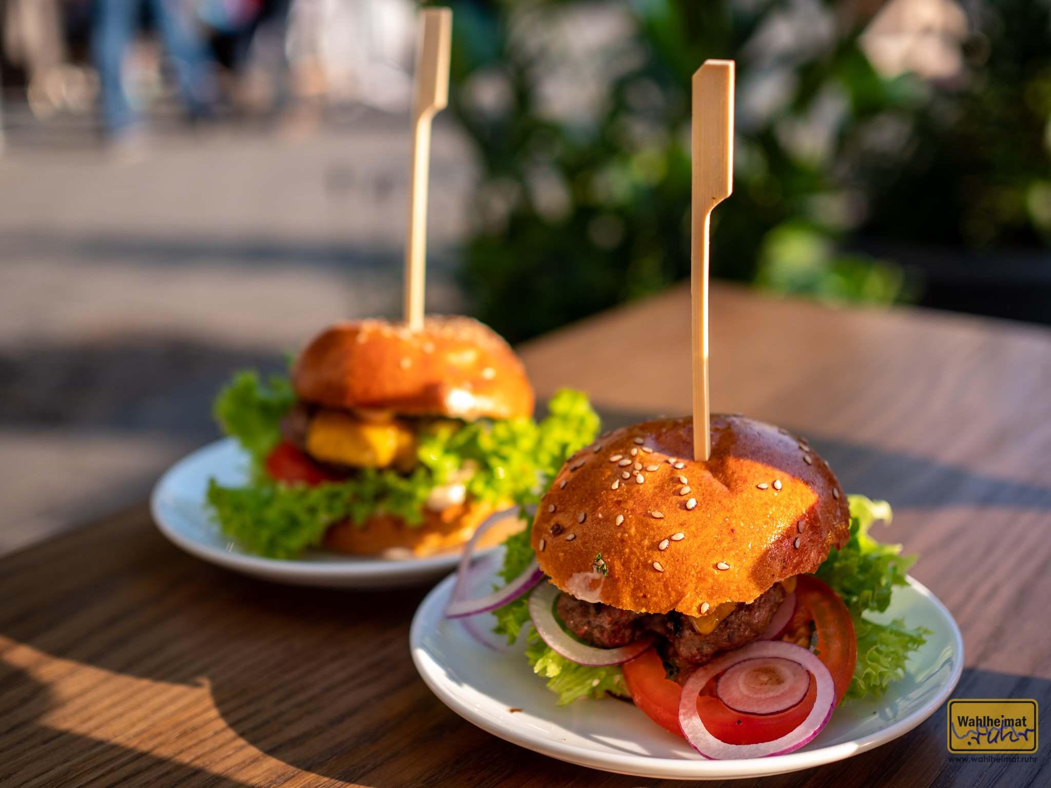 Manducare am Stadthafen: Mini-Burger - als Cheeseburger oder vegetarische Variante.